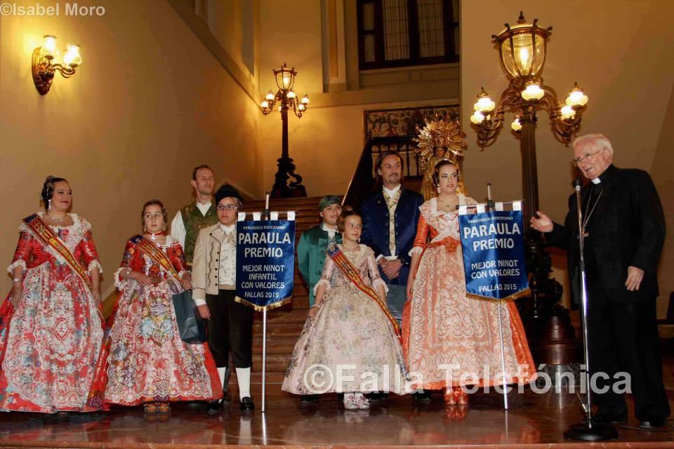 PARAULA entrega los premios a los mejores ninots con valores
