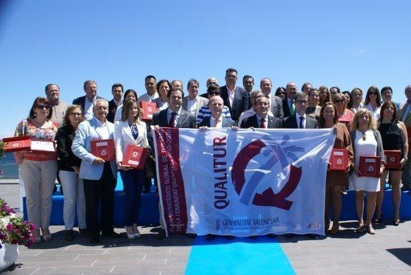 """Gandia acoge la jornada de entrega de las banderas """"Q"""" de Calidad a los municipios de la Comunidad Valenciana"""