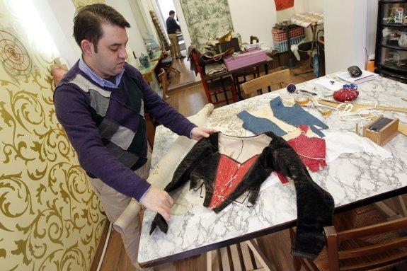 Tesoros de seda y puntilla para los trajes de labradora
