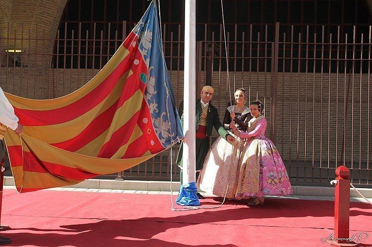 La Agrupación de Fallas del Marítimo realizó su homenaje a la Real Senyera