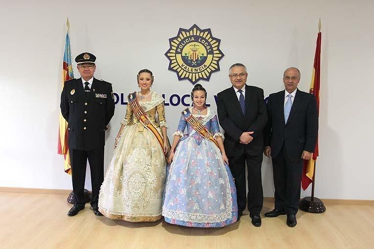 La Policía Local homenajea a Carmen y Claudia