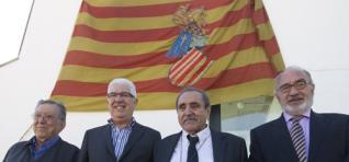"""La bandera proscrita que escapó del fuego La bandera """"quatribarrada"""" ondeó en 1979 en la Generalitat - Fue la oficial del Consell durante ocho meses en el período preautonómico"""