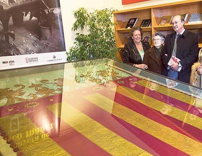 El Museo de Blasco Ibáñez expone la Real Senyera que cubrió el féretro del escritor
