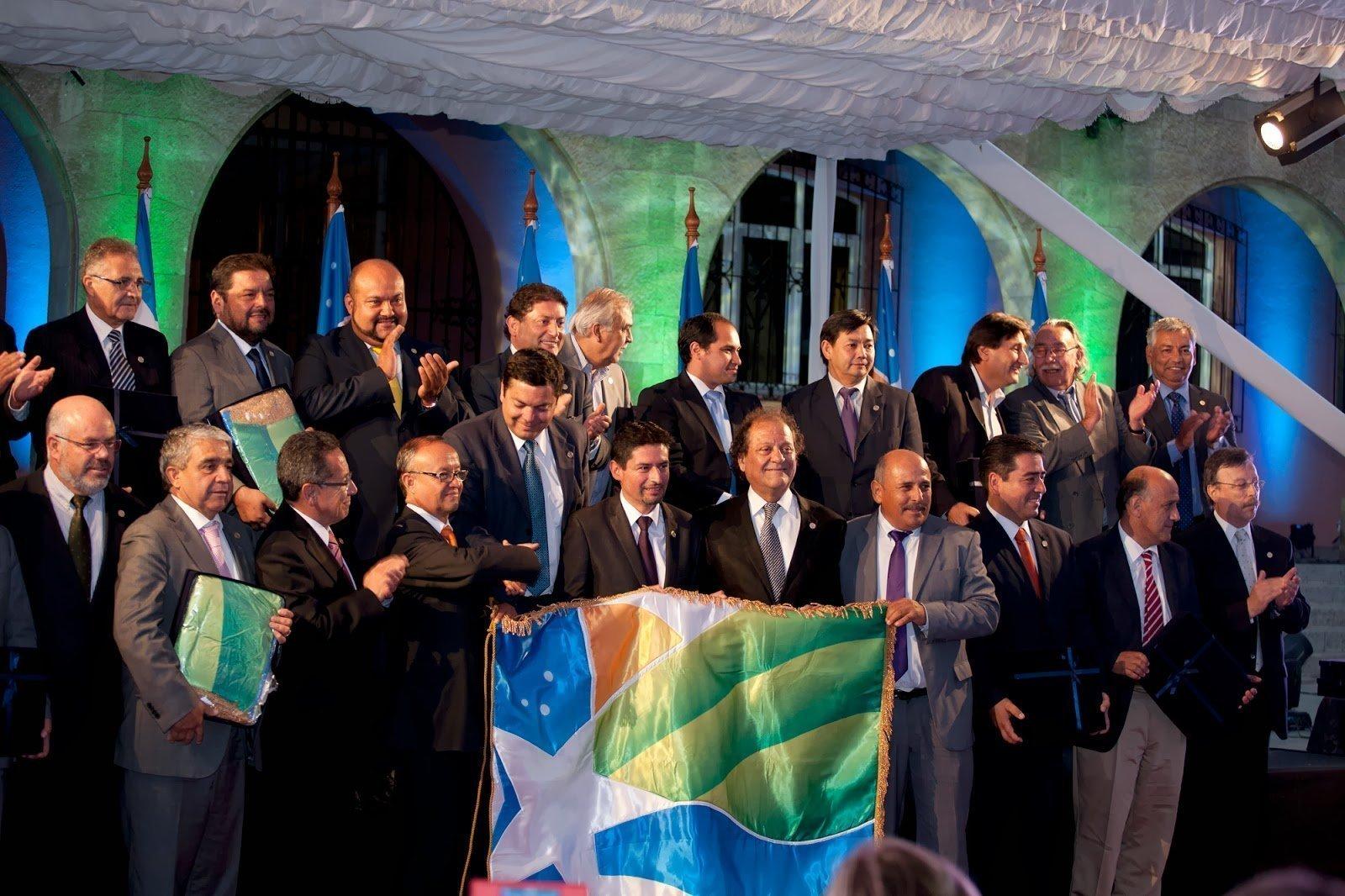 Presentan Bandera de la Región de Coquimbo